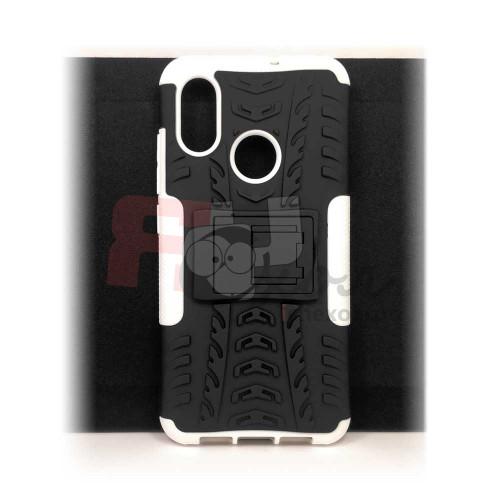 Чехол для Xiaomi Mi 8 из ТПУ-резины и пластика противоударный белый